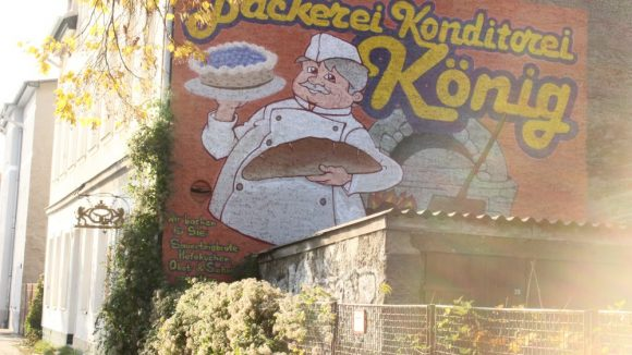 Werbung der Bäckerei König in der Winckelmannstraße.