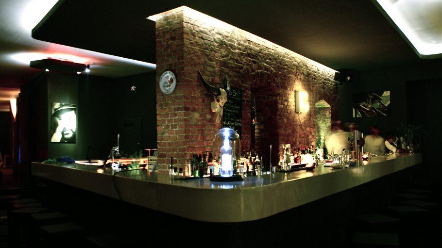 Tresen der Booze Bar Berlin