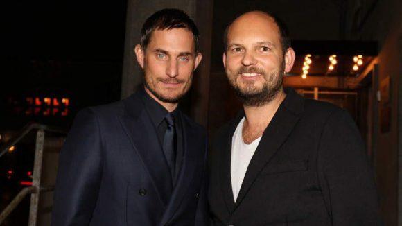 """Schauspieler Clemens Schick (""""Matador"""") und Club- und Restaurantbesitzer Heinz """"Cookie"""" Gindullis (rechts) zeigten sich mit intensivem Blick und guter Laune."""