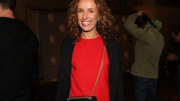 Ein bezauberndes Lächeln schenkte Ulli Beck, Frau von Rapper Michi Beck (Fanta4), der Kamera an dem Abend.