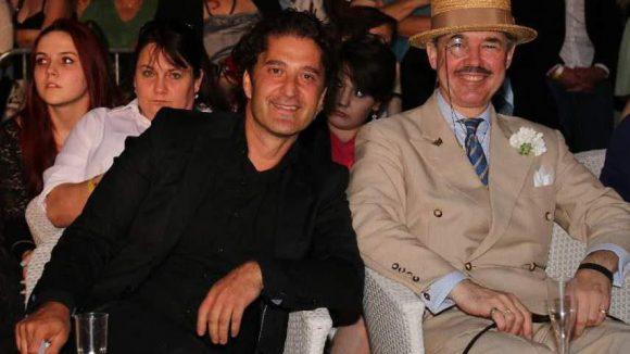Gastgeber war auch bei der 16. Ausgabe des Modeevents der Coiffeur Civan Ucar, hier im Bild mit Sänger Henry de Winter (rechts).