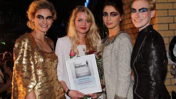 Valushi, oder besser: Designerin Valeria Piskounova sackte übrigens auch den Preis für die beste Kollektion ein.