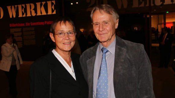 SPD-Außenpolitiker Hans-Ulrich Klose kam ebenfalls mit seiner Frau, Dr. Anne Steinbeck-Klose.