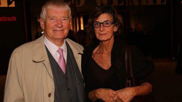Zur Vernissage der 20 Meisterwerke aus der Sammlung des Ehepaars Pietzsch in den Neuen Nationalgalerie war auch Polit-Prominenz eingeladen. Hier der ehemalige Innenminister Otto Schily (SPD) mit seiner Frau Christiane.