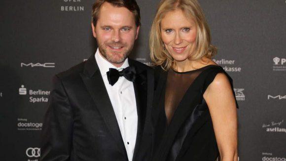 Ex-Gesundheitsminister Daniel Bahr und seine Ehefrau Dr. Judy Witten ließen es sich ebenfalls nicht nehmen, auf der Gala für den guten Zweck dabei zu sein.