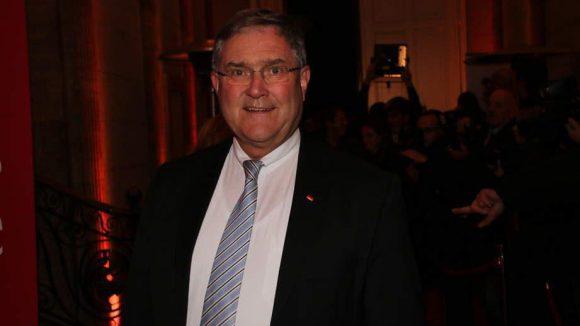 Nach Kurt Beck nun einer von der CDU: der ehemalige Minister Franz Josef Jung.