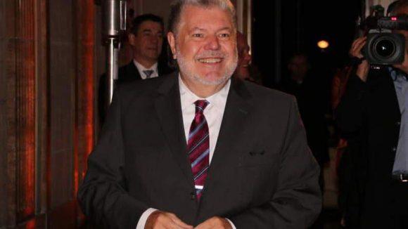 Der ehemalige rheinland-pfälzische Ministerpräsident Kurt Beck ist heute Vorsitzender der Friedrich-Ebert-Stiftung.