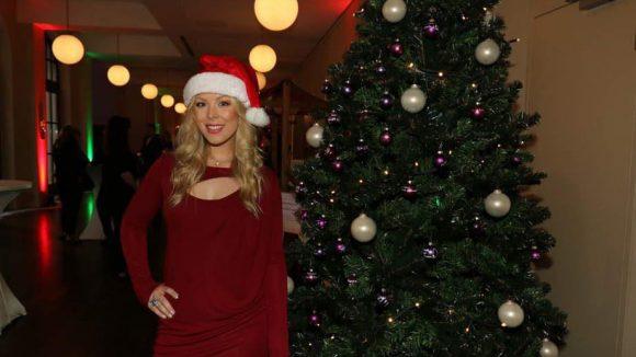 ... und Weihnachtsfrau Leonore Bartsch (ehemals bei Queensberry).