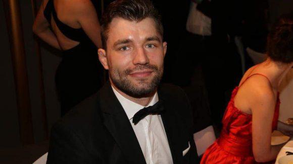 In ungewohnt eleganter Robe nahmen auch Sportler aus der Olympiaförderung des VBKI am Ball teil. Dazu gehörten Judo-Käpfer Robert Dumke ...