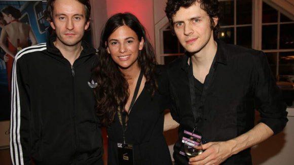 Sängerin Anna F. sang auf der Preisverleihung und wurde dabei von ihren Bandkollegen Sebastian G. (links) und Denis E. unterstützt.