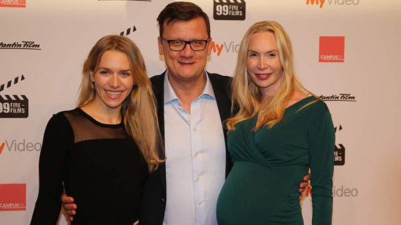 Zur Jury gehörten außerdem Julia Dietze und die schwangere Feo Aladag, die hier Torsten Koch von der Constantin in ihre Mitte nahmen.