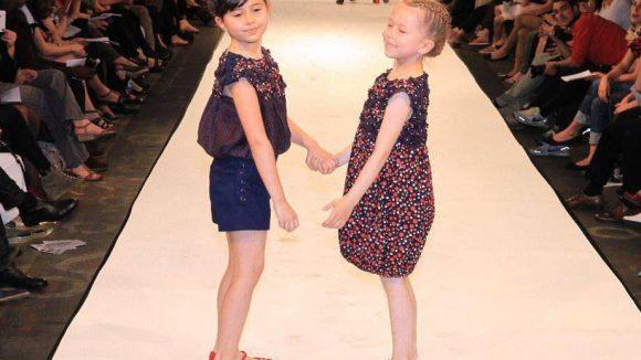Auch Mode für Kinder gab es von den Absolventinnen zu sehen.