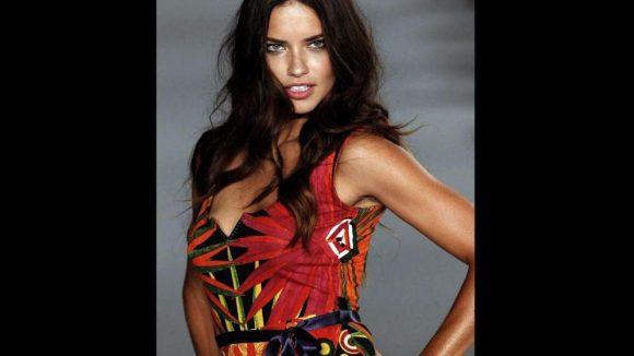 Das brasilianische Topmodel Adriana Lima bei einer Desigual-Modenschau im Juli 2013.