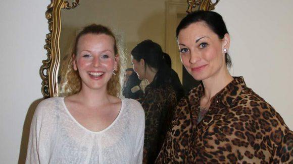 "Musikerin Vaile Fuchs (links) mit ""Sat1 Frühstücksfernsehen""-Moderatorin Lina van de Mars."