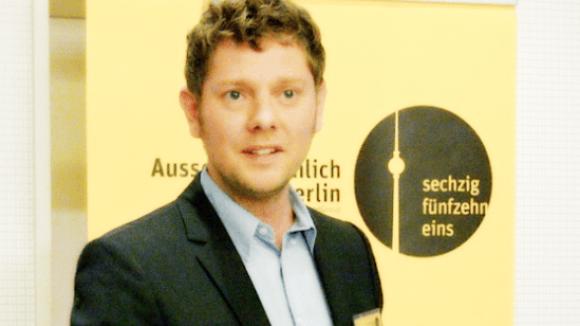 Philipp Möller zu Besuch bei einem AusserGewöhnlich Berlin-Treffen.