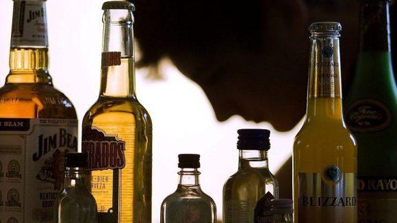 Die Behörden in Berlin arbeiten daran, Jugendlichen den Zugang zu hochprozentigem Alkohol zu erschweren.