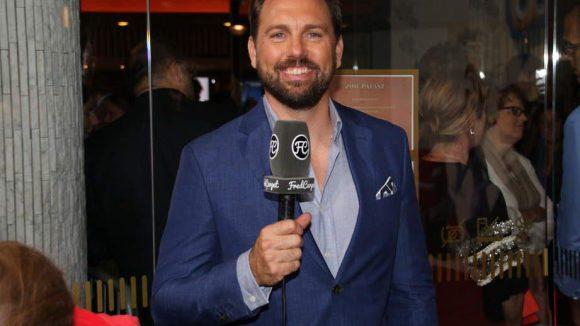 Ab 19 Uhr übernahm Steven Gätjen das Mikrofon und moderierte die Premiere.