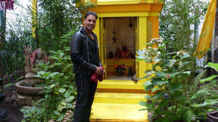 Berlin steckt voller Überraschungen. Den kleinen Tempel im Hinterhof desSatyams kannte Amit Ranka noch nicht.