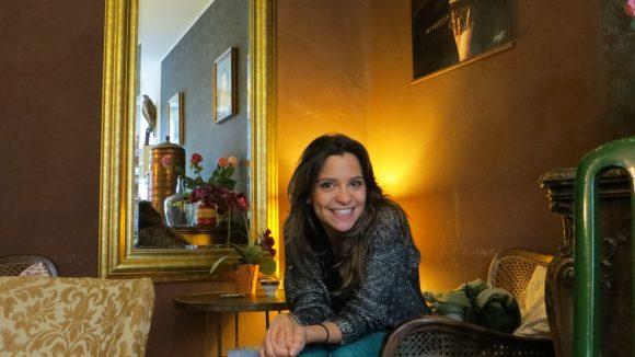Anika Lehmann im gemütlichen Café Wahrhaft Nahrhaft.
