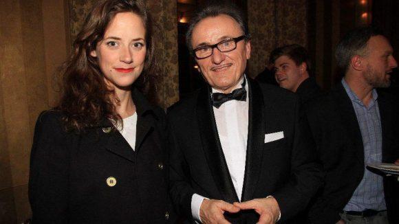 Schauspielerin Anja Knauer mit dem Künstler und selbsternannten Adligen Lo Graf von Blickensdorf.