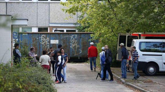 Ankunft der Flüchtlinge in Hellersdorf: Sie wurden von der Polizei geschützt.