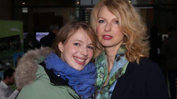 Schauspielerin und Drehbuchautorin Anna Brüggemann (l.) folgte der Einladung der Hessen zusammen mit ihrer Presseagentin Melba Fendel.