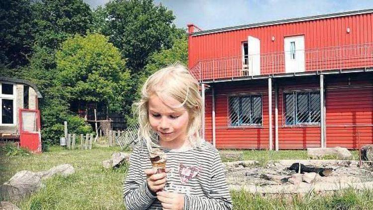Im Mai wurde das nach den Brandanschlägen renovierte Anton-Schmaus-Haus wiedereröffnet.