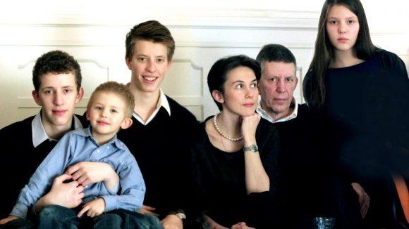 Familie Nitsche: Raphael, Nikolai, Maxim, Oxana, Thomas und Sophie. (v. l.n.r.)