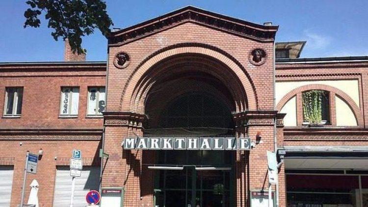 Die Arminiusmarkthalle in Moabit ist langsam kein Geheimtipp mehr. Wie man an der überbuchten Langen Nacht der Weine sieht.