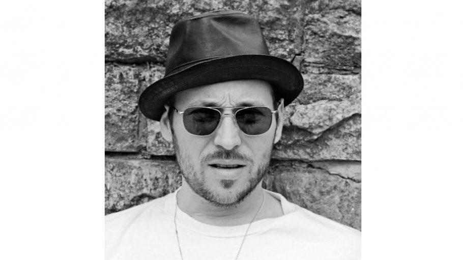 Sänger und Gitarrist der Berliner Kultband Beatsteaks: Arnim Teutoburg-Weiß.