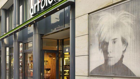 Im Kunst-Hotel art'otel Berlin City Center West hat man Andy Warhol nicht vergessen.