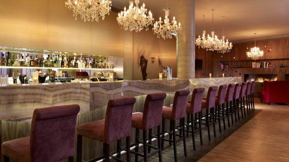 Die von Warhol inspirierte Factory Bar