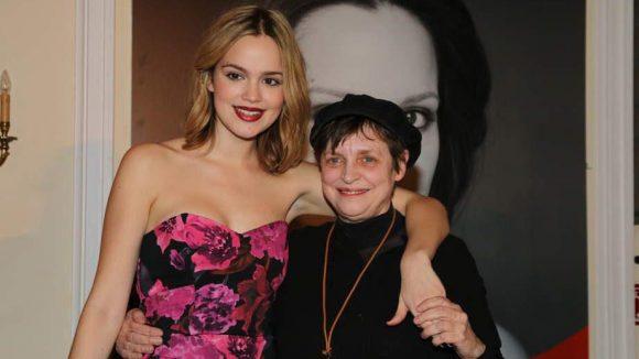 Im Kempinski Hotel Bristol auf dem Kurfürstendamm wurden diese beiden Schauspielerinnen von der Uhrenmanufaktur Askania ausgezeichnet: Emilia Schüle (l.) erhielt den Askania Shooting-Star Award, Katharina Thalbach den Askania Award.