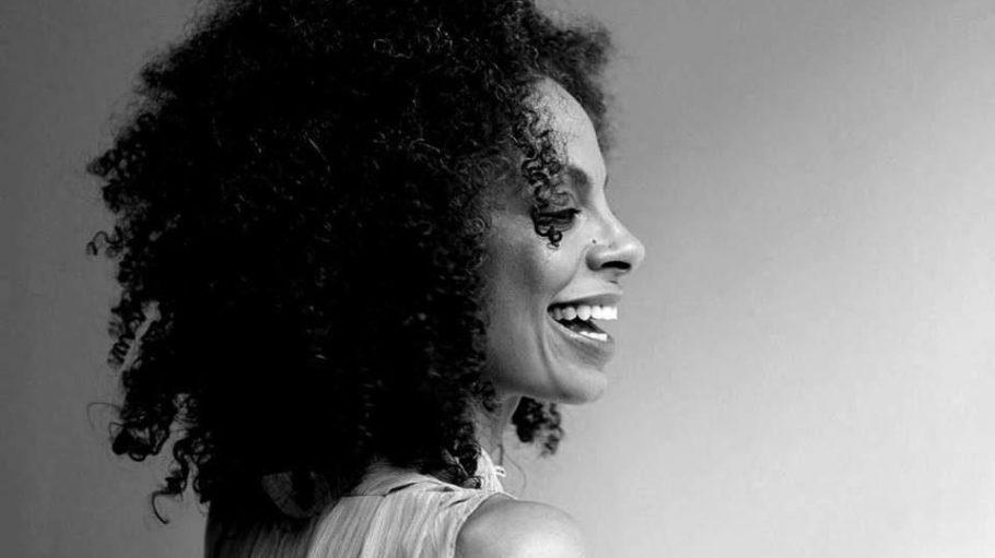 """Diese Stimme ist Gänsehautgarant! Astrid North - früher Frontfrau von Cultured Pearls - stellt Samstag zum ersten Mal ihr neues Album """"Precious Ruby"""" vor."""
