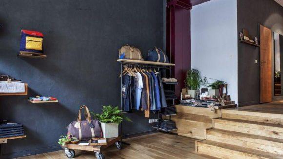 Von Klamotten über Taschen bis hin zu Accessoires kann sich Mann hier umweltbewusst einkleiden.