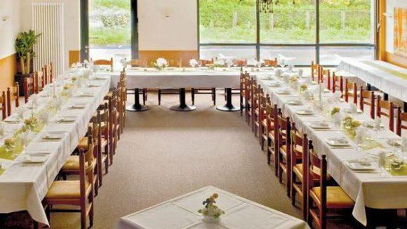 Das Restaurant in Pankow hat helle, große Räume, die ideal für Veranstaltungen aller Art sind.