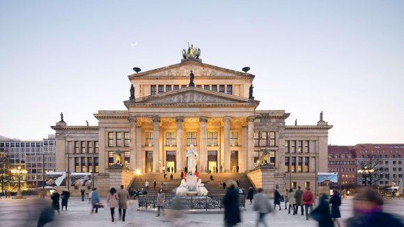 Auch deswegen ist der Gendarmenmarkt so beliebt: Schinkels Tempel der Kunst.