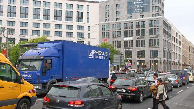 Standfest. Auf der Leipziger Straße war auch ohne die Mall meist Stau – das könnte nun noch schlimmer werden.