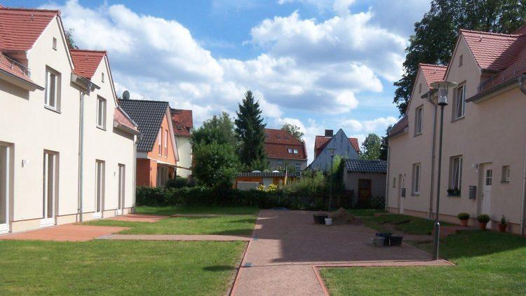 Im September 2012 wurden die Modernisierungsarbeiten an der denkmalgeschützten Preußensiedlung beendet.