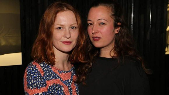Peer Kusmagks Exfreundin Isabella Recke (links) neben Stylistin Anita Krizanovic.