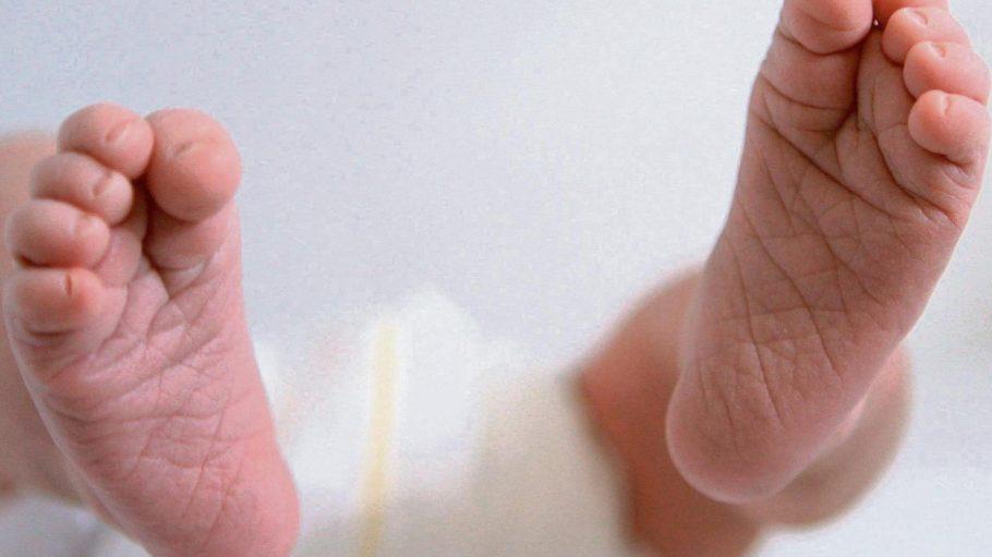 Besonders schnellen Fußes wollte ein Baby in Marzahn auf die Welt kommen.