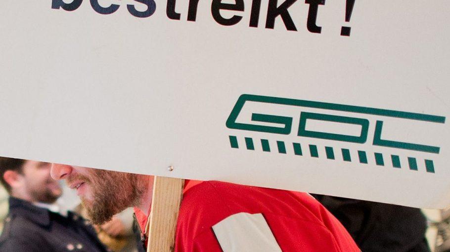 Den Deutschen drohen sechs Tage Streik im Personenverkehr der Bahn.
