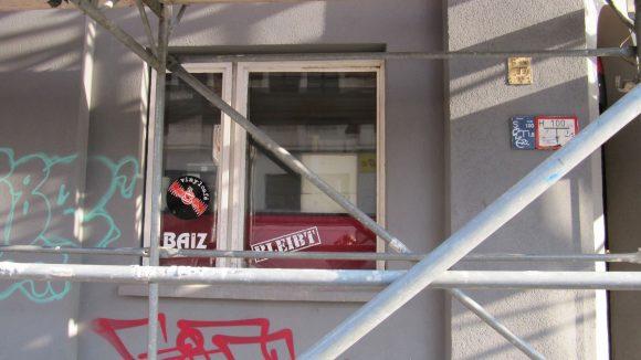 Die Kneipe Baiz zieht von der Torstraße in die Schönhauser Allee.