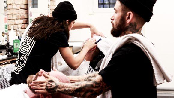 Nassrasur-Tricks oder Bartpflege: Bei Aydoo lernst du nützliche Barber-Skills von Experten.