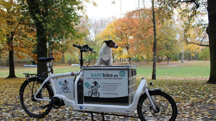 Das BARFbike kommt auch dort durch, wo für Autos Schluss ist - und das tierisch umweltfreundlich.