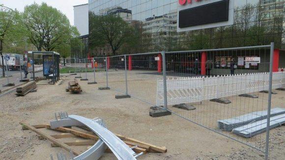 Derzeit ist der Urania-Vorplatz eine einzige Baustelle.