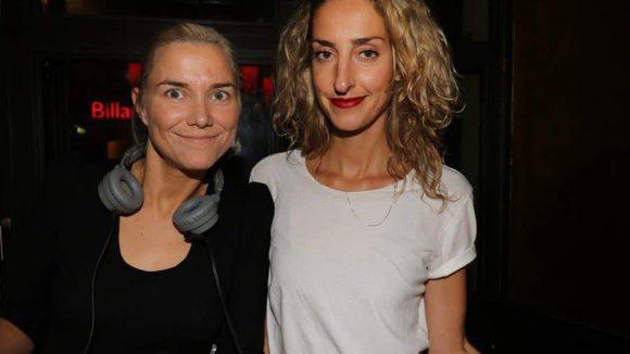 Sorgten für die musikalische Untermalung des Abends: die DJanes Swantje und Franziska von Pony Pop.