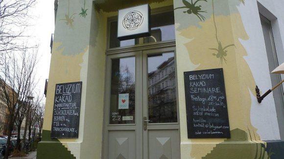 Die Manufaktur mit Ladencafé liegt unweit des Teutoburger Platzes in der Lottumstraße.