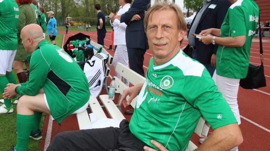 Trainiert wurde die Auswahl des FC Diabetologie von Christoph Daum. Der war ...