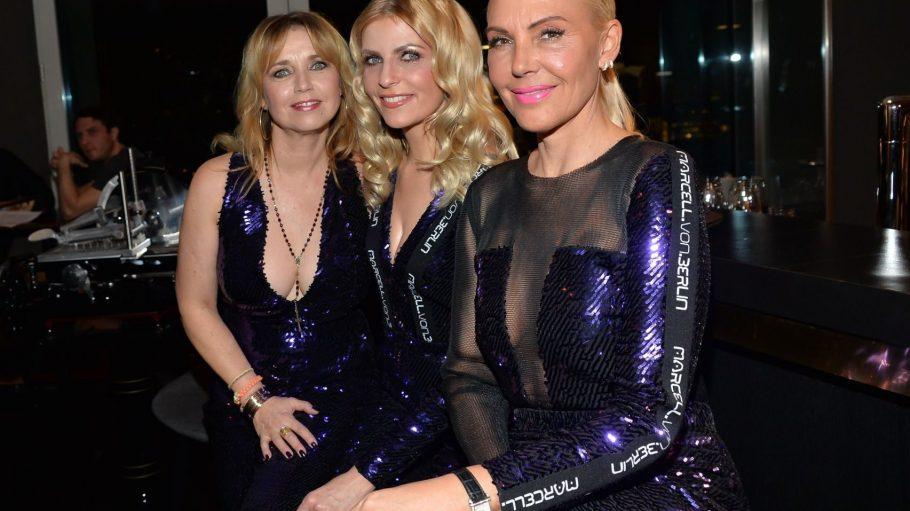 Auf ihrer Party im Hugos: Tina Ruland, Tanja Bülter und Natascha Ochsenknecht (v.l.n.r.) in sexy Jumpsuits von Marcell von Berlin.